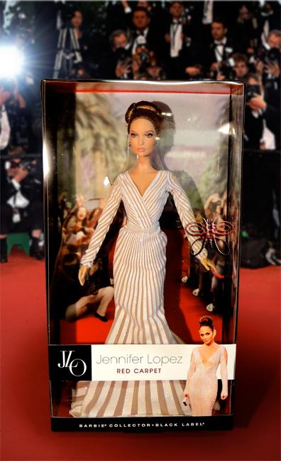 http://magmaheritage.com/Barbiefolder/jenniferlopezredcarpet1large.jpg