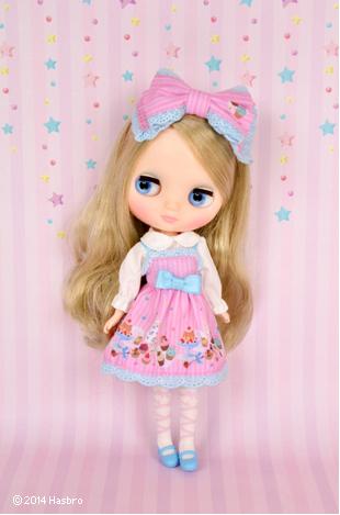 http://magmaheritage.com/Blythe/AliciaCupcake/aliciacupcake4.jpg