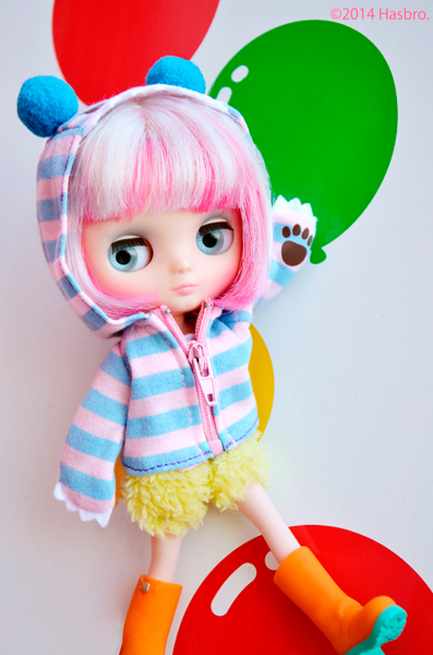 http://magmaheritage.com/Blythe/Yellowmashmallow/yellowmashmallowblythe2.jpg