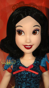 http://magmaheritage.com/Disney/classicsnowwhite1medium.jpg